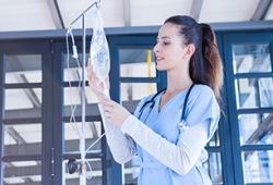 重磅!罗氏肿瘤免疫创新药泰圣奇®在中国正式获批 首个适应症为联合化疗用于一线治疗广泛期小细胞肺癌